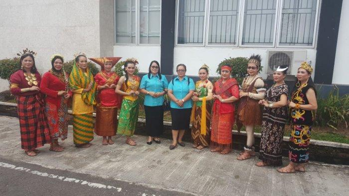 Tim Penggerak PKK Sekadau Raih Peringkat II Lomba Parade Nusantara, HKG PKK ke-47 di Sambas