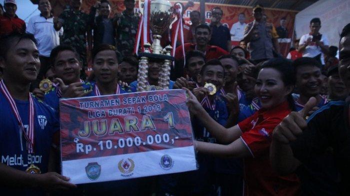 Bupati Landak Resmi Tutup Turnamen Sepak Bola Bupati CUP