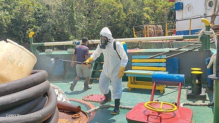 Kapolsek Simpang Hilir Harap Kapten dan ABK Kapal Tug Boat Hadi Satu Jaga Mobilitas Selama Pelayaran