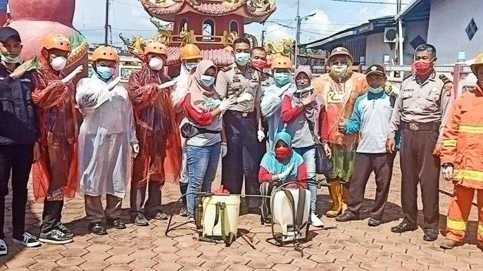 Antisipasi Virus Corona, Polsek Sungai Kakap Lakukan Penyemprotan Disinfektan di Rumah Ibadah