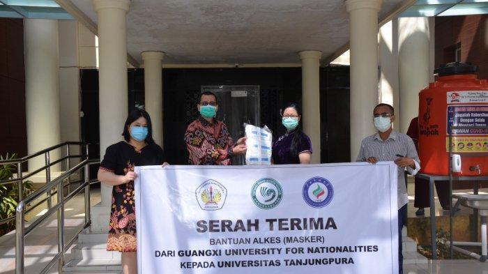 Untan Pontianak Terima Bantuan 10 Ribu Masker dari Guangxi University for Nationalities