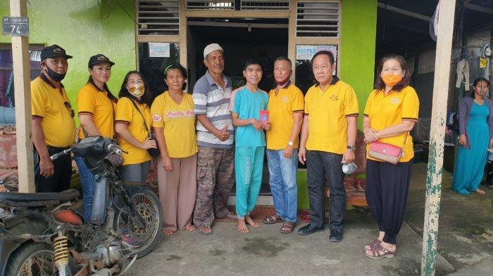 BAKTI SOSIAL XING FU Berbagi Kasih Bantu Tiga Warga yang Sedang Menderita Sakit