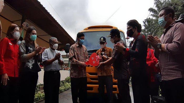 Persekolahan Nyarumkop Terima Bantuan Bus Sekolah Kementerian Perhubungan RI
