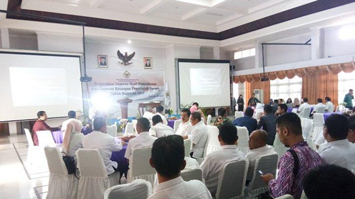 Pjs Wali Kota Pontianak,Mahmudah Terima Laporan Hasil Pemeriksaan Keuangan Anggaran 2017