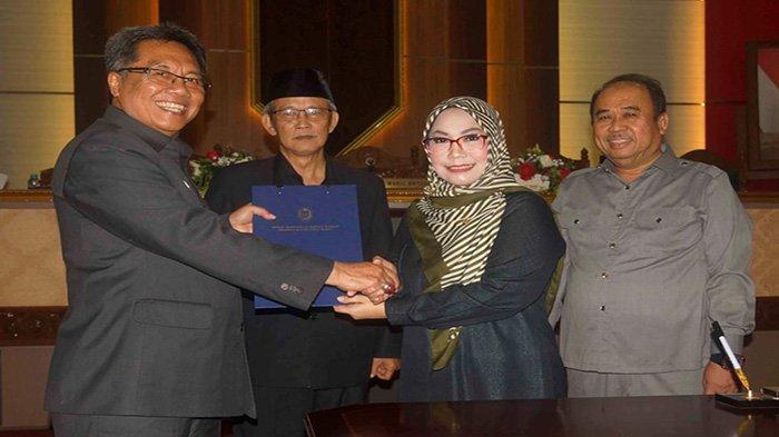 DPRD Kalbar Setujui Raperda Perubahan APBD Pemprov Jadi Perda