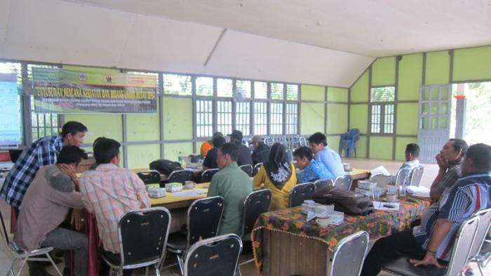 Bantu Menginisiasi Hutan Desa