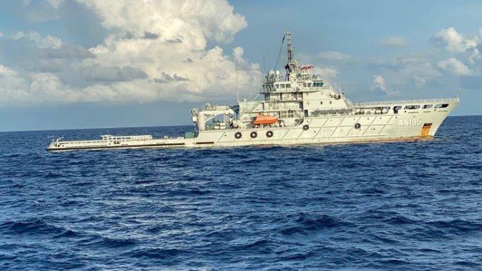 Kapal Angkatan Laut China atau People Liberation Army Navy (PLA Navy) sudah tiba di perairain Bali pada Minggu 2 Mei 2201 guna membantu evakuasi kapal selama KRI Nanggala-402.(Dispenal)