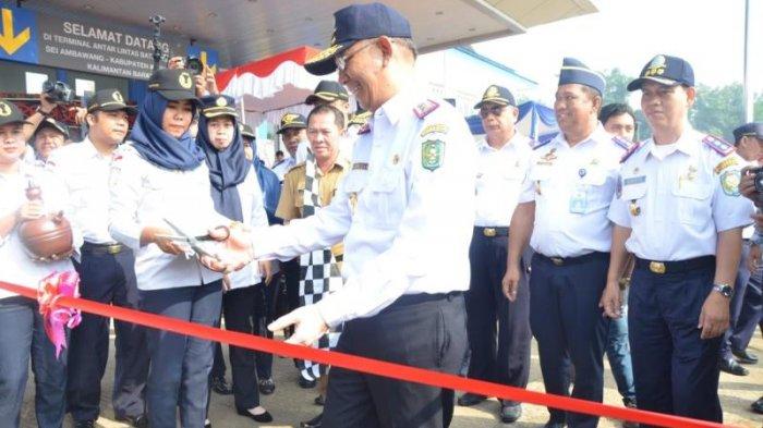 Gubernur Kalimantan Barat Pimpin Langsung Upacara Peringatan Hari Jadi Perhubungan ke 73 - perhubungan_20180917_164137.jpg