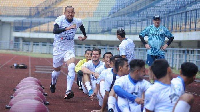 PERSIB Bandung Terkini - 8 Pemain Baru Ikuti Sesi Latihan Maung Bandung dan Nasib Esteban Vizcarra