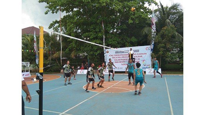 Buka Tournament Bola Volly Cup I Karya Murti Sejahtera, Irwan Sampaikan Pesan Penting