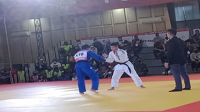 Judoka Kalbar Beta Awari Berhasil Raih Perak PON XX Papua