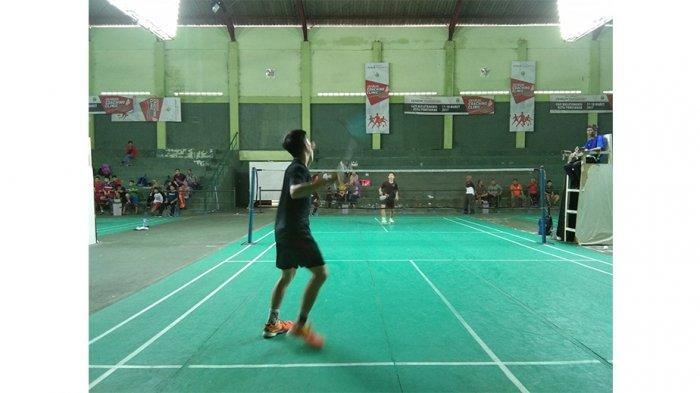 pertandingan-tunggal-putra-kejuaraan-badminton.jpg