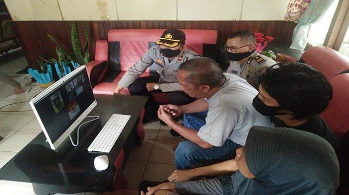 Polsek Sungai Pinyuh Fasilitasi Pertemuan Virtual Terduga Teroris Dengan Orangtuanya