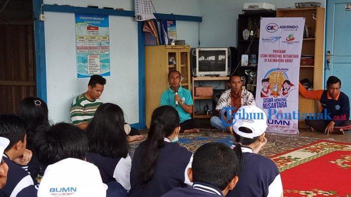 FOTO: Peserta Program SMN 2019 BUMN Hadir Untuk Negeri dari Bali Kunjungi Tambak Ikan di Mempawah - peserta-smn-2019-dari-bali-di-mempawah-3.jpg