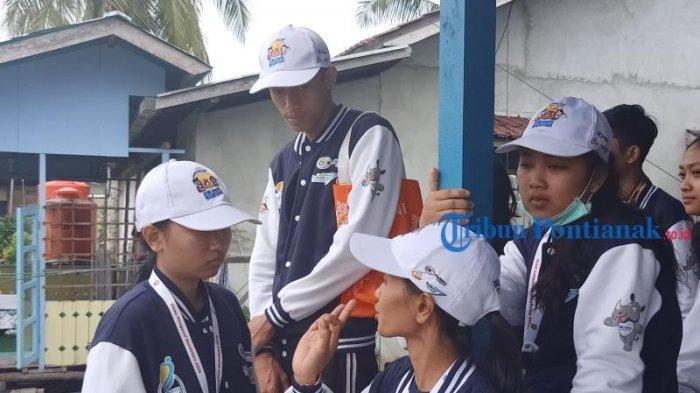 FOTO: Peserta Program SMN 2019 BUMN Hadir Untuk Negeri dari Bali Kunjungi Tambak Ikan di Mempawah - peserta-smn-2019-dari-bali-di-mempawah-5.jpg