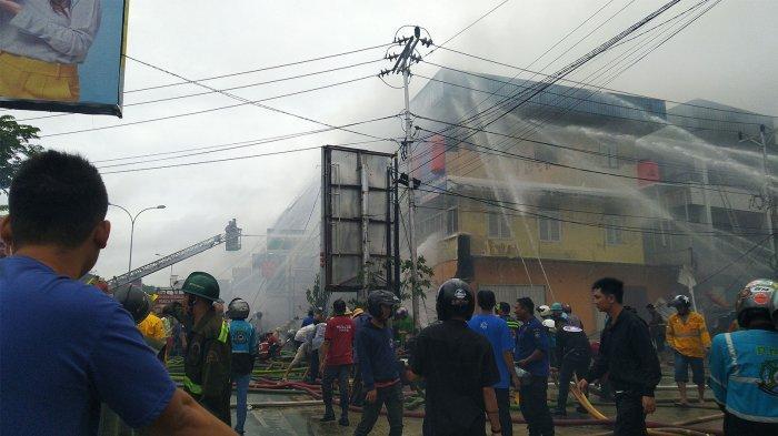 6 Unit Ruko di Jalan Tanjungpura Dilalap Api, Ini Keterangan Kapolsek Pontianak Selatan
