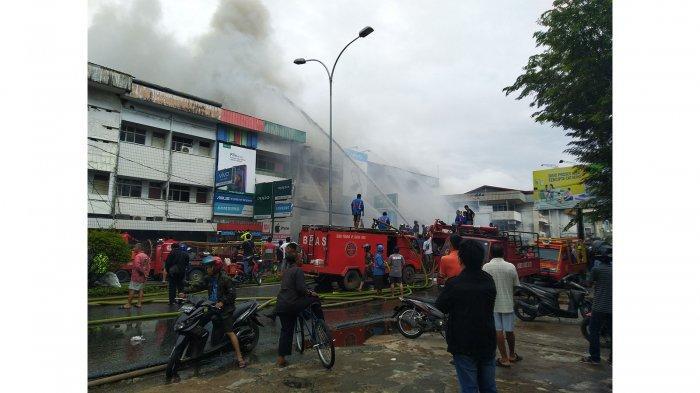 Kebakaran Ruko di Jalan Tanjungpura Dekat Ramayana, Ada Perpindahan Arus Lalu Lintas