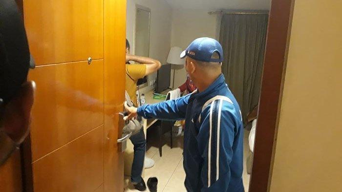 IBU Kepala Sekolah Goda Wakilnya Berujung di Kamar Hotel, Digrebek dan Nyaris Diamuk Suami Sah