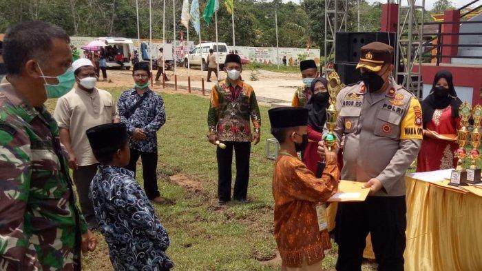 Wakapolres Sanggau Hadiri Penutupan MTQ XXIX Tingkat Kabupaten Sanggau di Batang Tarang