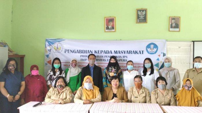 Dosen Prodi Pendidikan IPS FKIP Untan Beri Pelatihan PTK Kepada Guru SDN 32 Pontianak Utara