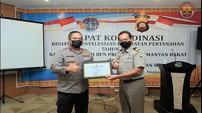 Ungkap Kasus Mafia Tanah, Polda Kalbar Dapat Penghargaan dari Kanwil BPN Kalbar