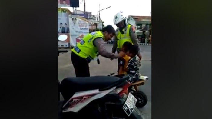 Viral! Pengendara Cilik Ini Menangis Saat Laju Sepeda Motornya Distop Polisi