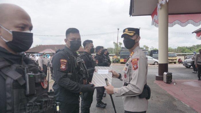 Berhasil Ungkap Kasus Curanmor, Kapolres Jerrold H.Y Kumontoy Berikan Reward Kepada Tim Spartan