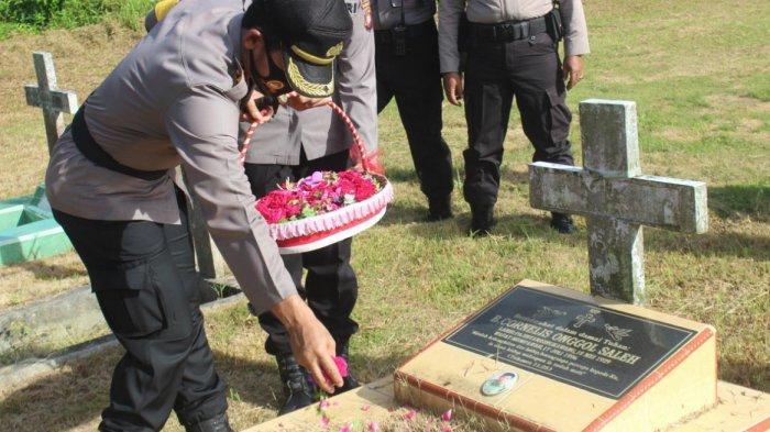 Polres Mempawah Gelar Upacara Ziarah ke Makam Pahlawan Putra Bangsa