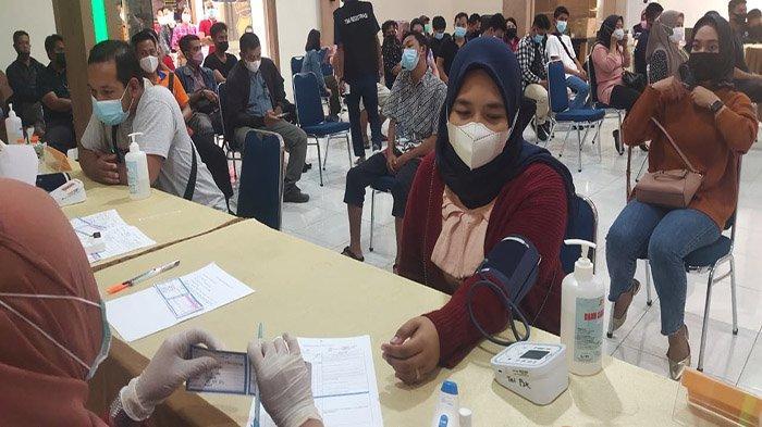 Polres Sintang Ajak Masyarakat Sukseskan Vaksinasi Massal
