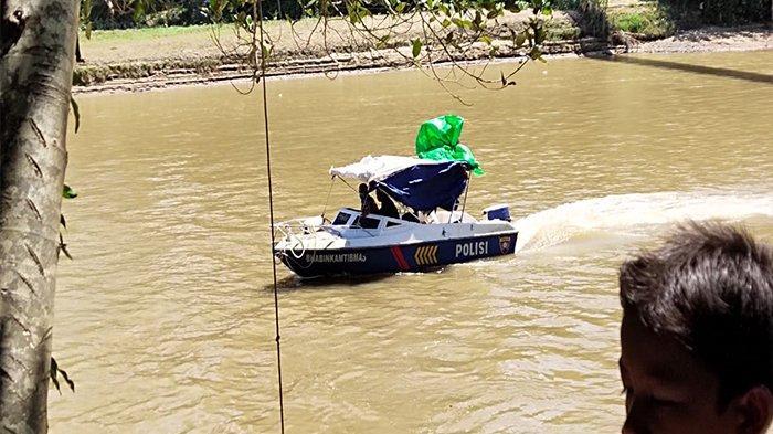 BREAKING NEWS - Seorang Pemuda Dikabarkan Tenggelam di Sungai Pinoh Melawi