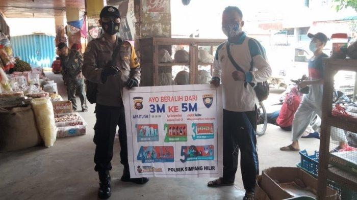 Bhabinkamtibmas Polsek Simpang Hilir Sosialisasi Protokol Kesehatan 5M pada Masyarakat