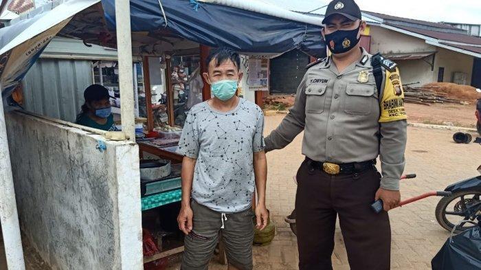 Sambangi Desa Binaan, Brigpol Yulianus Ciun Ingatkan Warga Taati Protokol Kesehatan