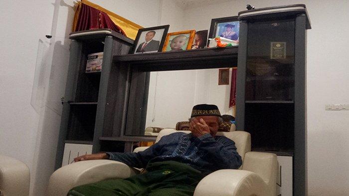 Tangis Ponijan ingat anak dan mantunya jadi korban Sriwijaya Air