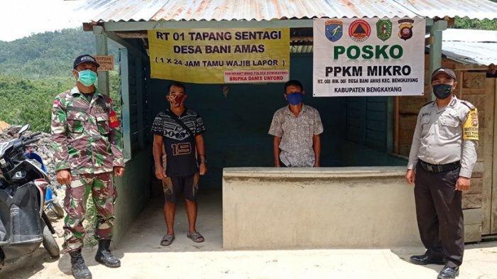 Babinsa dan Bhabinkamtibmas Melaksanakan Pengecekan Posko PPKM Mikro