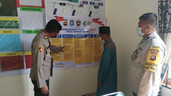 Cek 13 Posko PPKM Desa se Kecamatan Kakap, Kapolsek: Untuk Menanggulangi Penyebaran Covid-19
