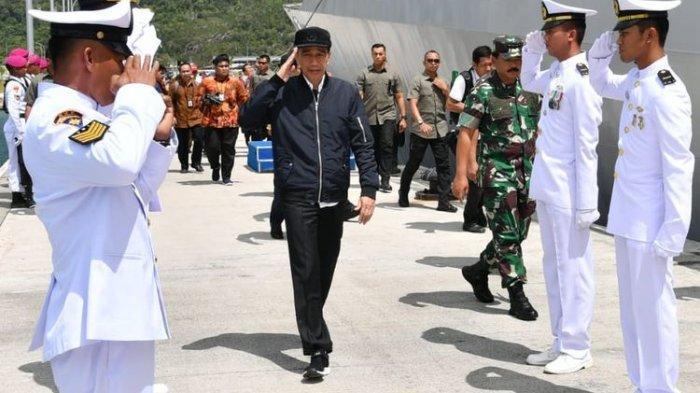 Jokowi Tinjau Kapal Perang di Natuna, Tegaskan Hak Berdaulat Indonesia di ZEE
