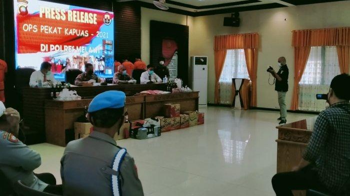 Polres Melawi gelar Press Release Operasi Pekat Kapuas 2021 di Aula Tri Brata Mapolres Melawi, Senin 19 April 2021.