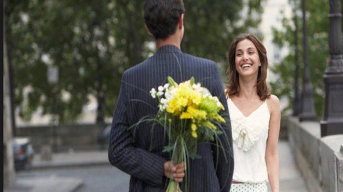 HASIL Penelitian! 9 Cara Jitu Bikin Pria 'Incaran' Jatuh Cinta Pada Anda