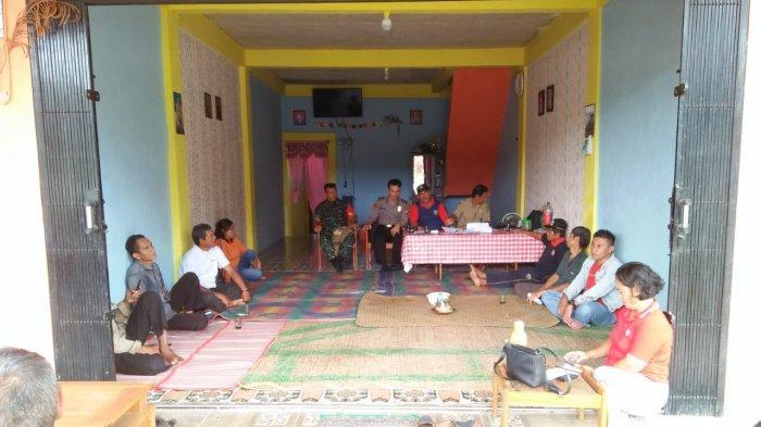 Bhabinkamtibmas Lakukan Giat Problem Solving untuk Cipkon Kamtibmas di Tengah Masyarakat