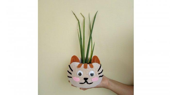 Satu di antara Produk TABURI, berbentuk Kucing.