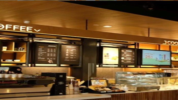 PROMO JCO Hari Ini 20 September 2021, Gratis Iced Lemon Tea/Americano Nikmati JCO Omelette Sausage