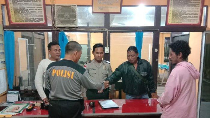 Warga NTT Jalan Kaki Kabur dari Malaysia, Polisi Serahkan ke Keluarganya