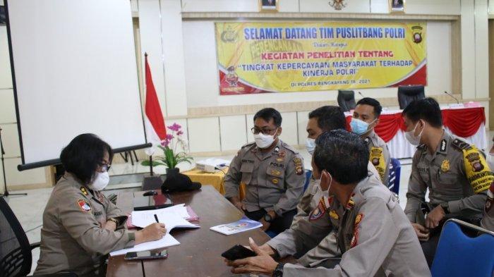 Puslitbang Polri Lakukan Penelitian Tingkat Kepercayaan Masyarakat di Polres Bengkayang