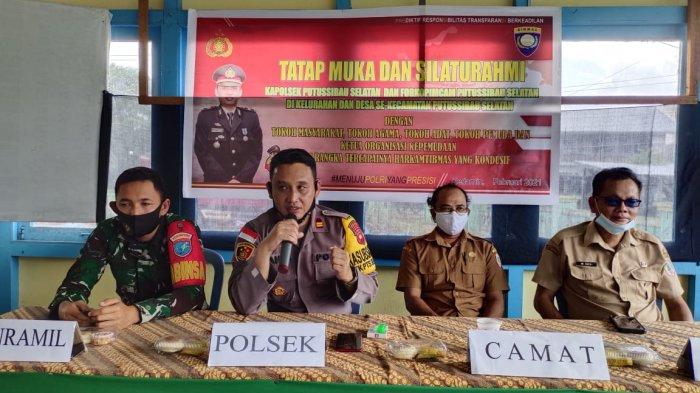 Sosialisasi Program Kapolri, Kapolsek Putussibau Selatan Tatap Muka Bersama Tokoh Masyarakat