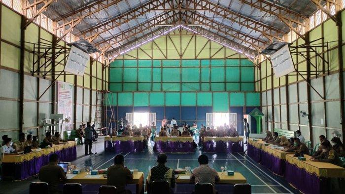 Kapolsek Cahya Purnawanmenghadiri Musrembang Kecamatan Putussibau Selatan, Selasa 23 Februari 2021