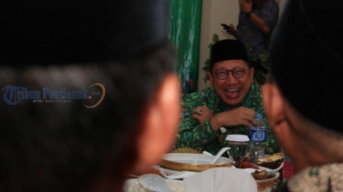 Menteri Agama Lukman Hakim Kunjungi Kanwil Kemenag Kalbar - ramah-tamah_20180731_164634.jpg