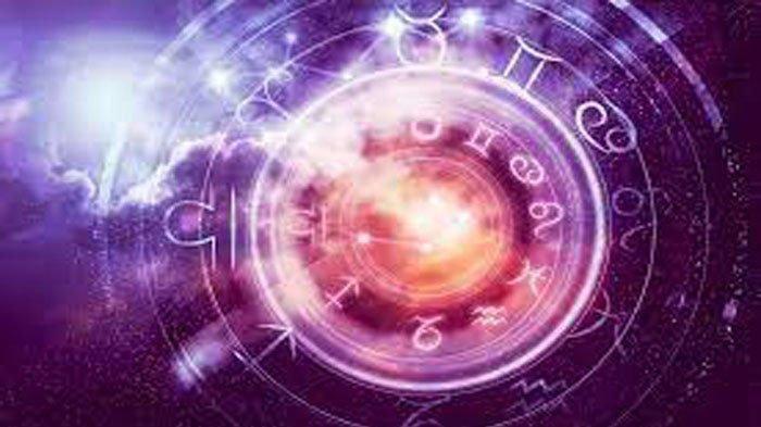 RAMALAN ZODIAK Besok Senin 4 Oktober 2021, Waktunya Fokus Taurus & Sagitarius Jadi Pusat Perhatian