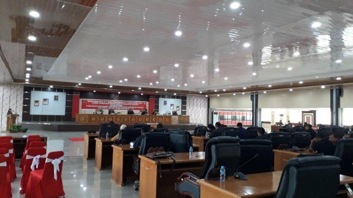 DPRD Sanggau Gelar Rapat Paripurna, 8 Fraksi Setujui APBD Sanggau 2020