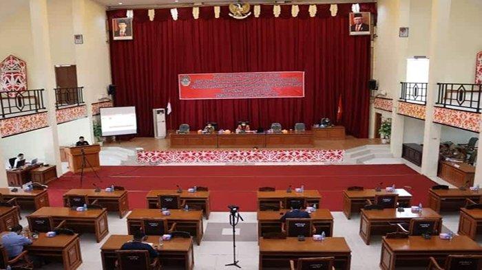 Fraksi-fraksi DPRD Landak Sampaikan PU Terhadap Raperda Tentang Perubahan APBD 2021