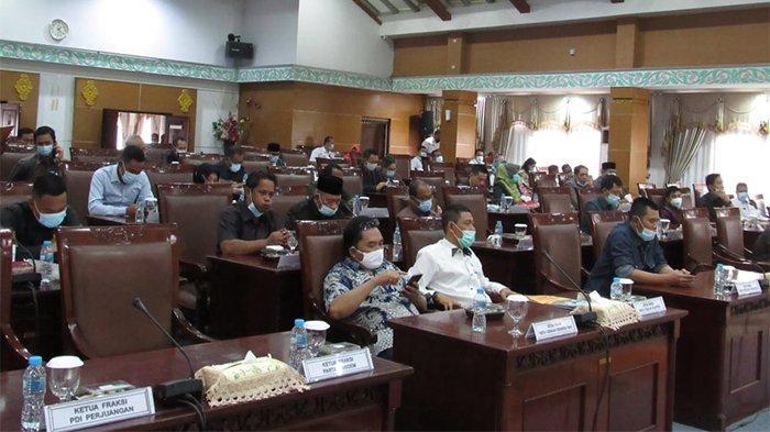 DPRD Kota Pontianak Gelar Rapat Paripurna Bahas Lima Raperda yang Diusulkan Pemkot Pontianak